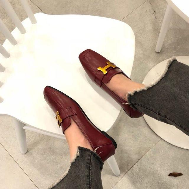Giày mọi chữ H