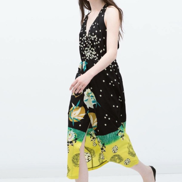 Zara hoa, size S. Giá gốc:1100K