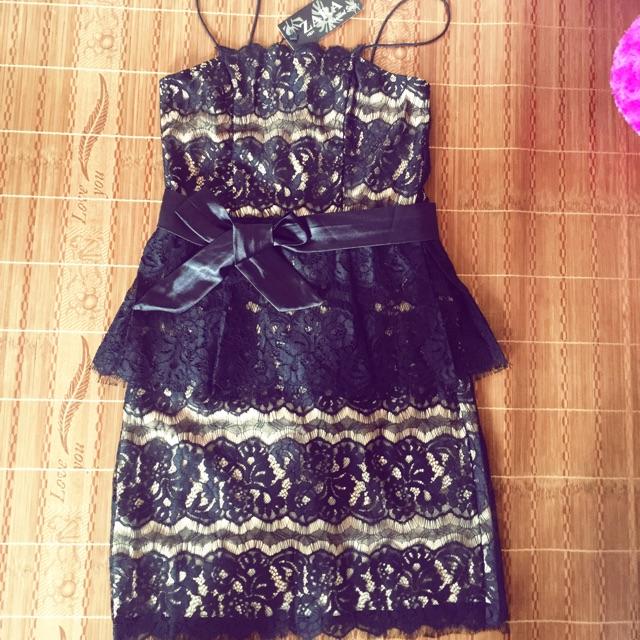 váy ren body