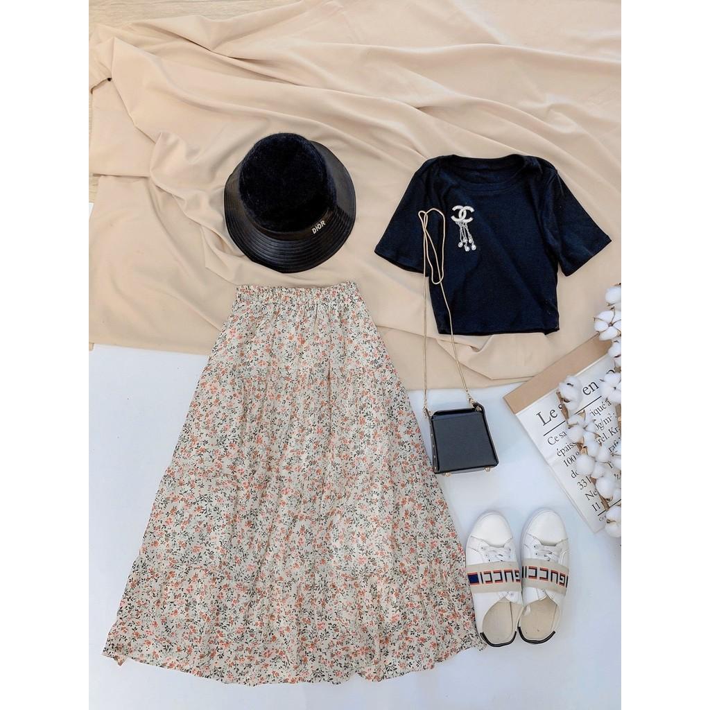 Set áo thun & chân váy hoa Nguyên set quá xá là xinh luôn nè các nàng ơi.Diện đi muôn nơi đều hợp luôn chị em ạ Chân váy