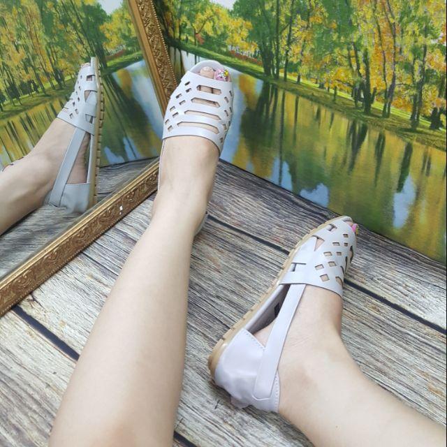 Sandal rọ quai khoét laze