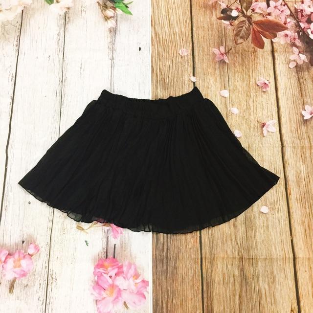 Chân váy xoè màu đen đẹp quá à