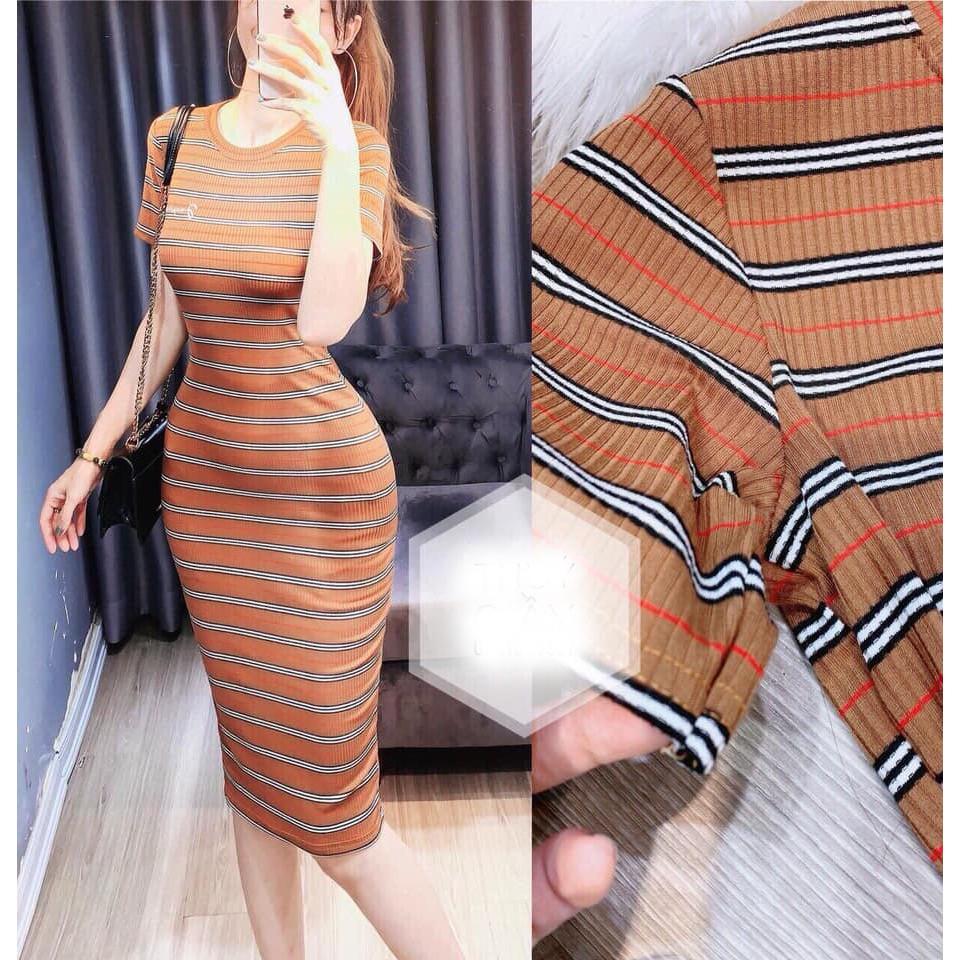 Váy đầm body kẻ logo thêu dáng maxi
