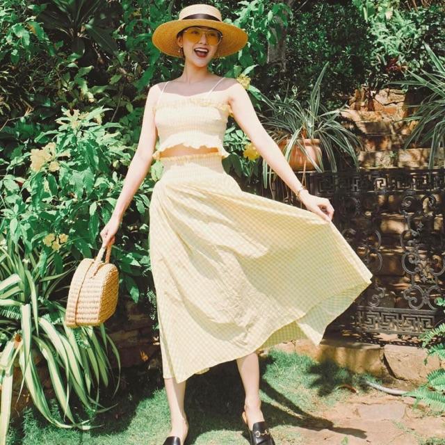 Set áo + chân váy sọc vàng