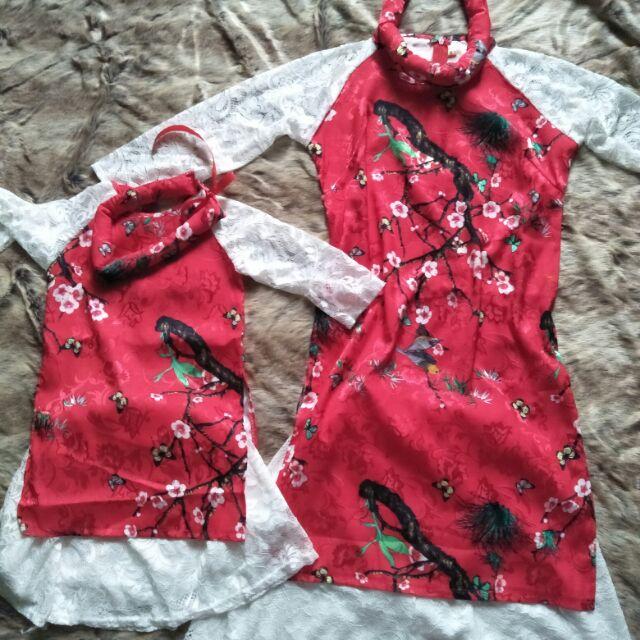 Combo set áo dài mẹ bé gái và trai. Áo dài mẹ và bé gái bằng vải gấm lụa đẹp kèm chân váy và mấn. Áo dài bé trai có quần