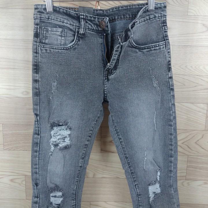 Quần jean nam dài màu xám xước gối, rách trên, cào nhẹ, ống tua rua [Datoko]