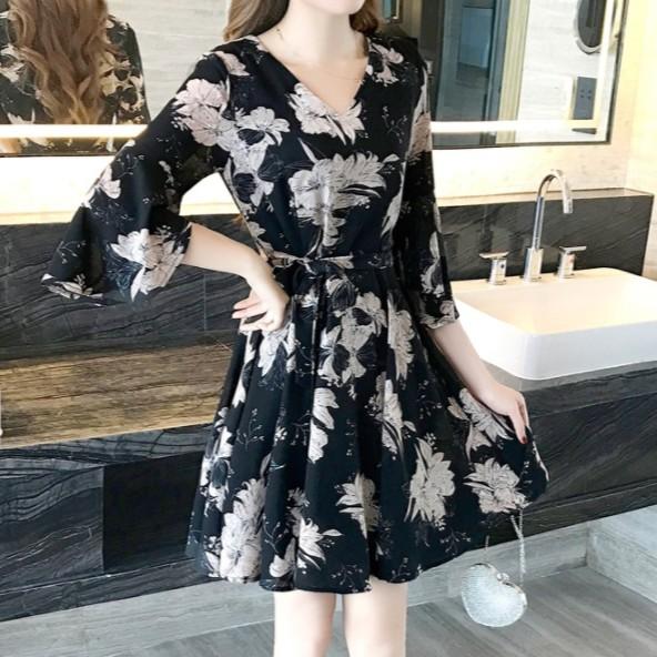 Đầm thun đen họa tiết hoa bo eo, phong cách Nhật Bản