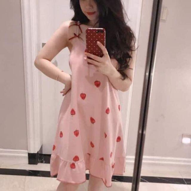 Váy ngủ dâu tây trắng hồng chất ctoong mêm đẹp.áo thun in và trơn.