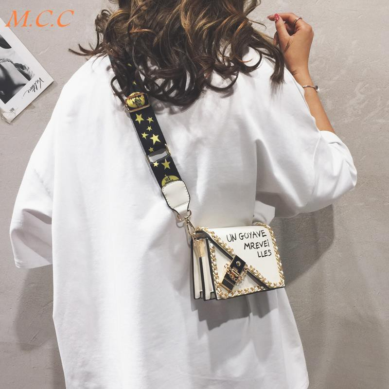 Hình ảnh Summer small women's small bag 2019 summer new women's bag wild popular Korean version of the simple Messenger bag tide