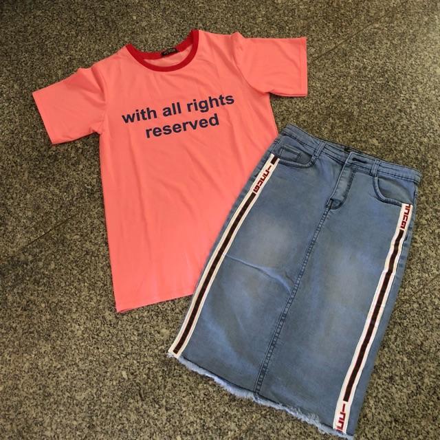 1311998488 - Sét áo thun hồng và chân váy ôm sọc đỏ