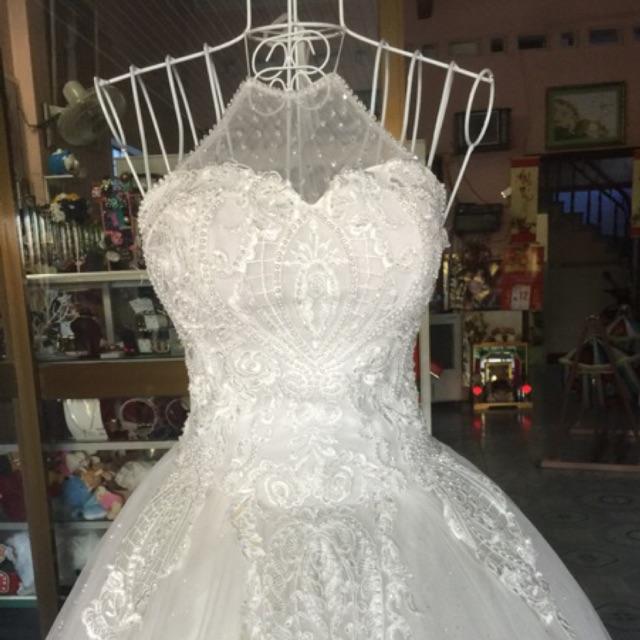 Váy cưới yếm thanh lí