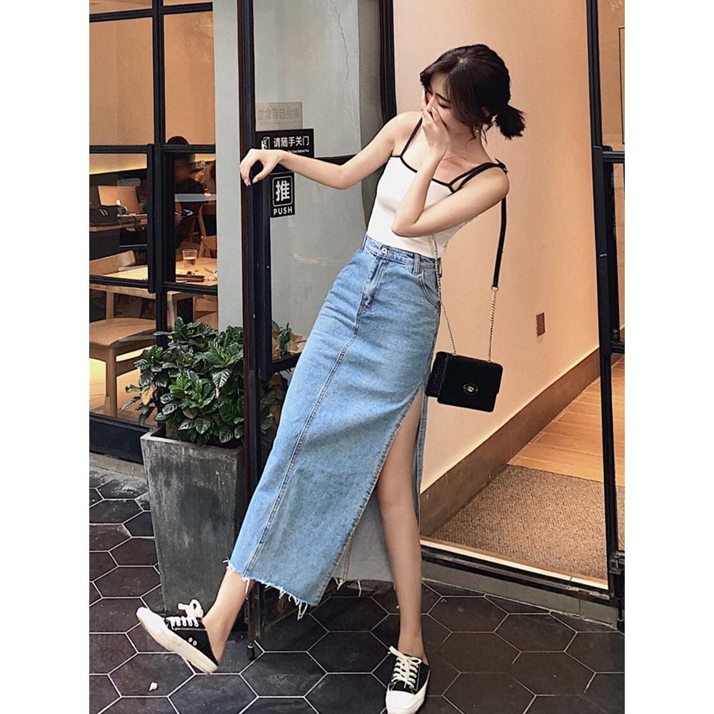 Chân váy jean ôm dáng xẻ tà lưng cao thời trang