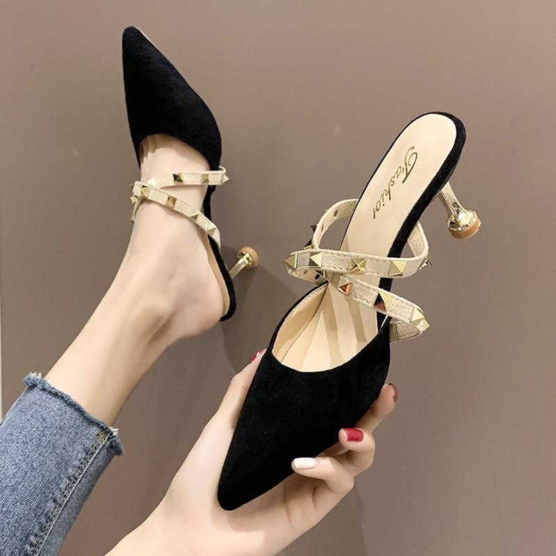 Giày cao gót mũi nhọn quai đính đinh tán kiểu dáng quyến rũ cho nữ