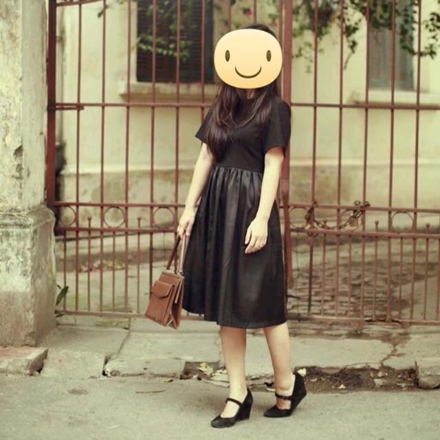 Pass đầm đen vintage siêu cưng ạ, đầm thiết kế xịn chứ ko phải hàng chợ ạ