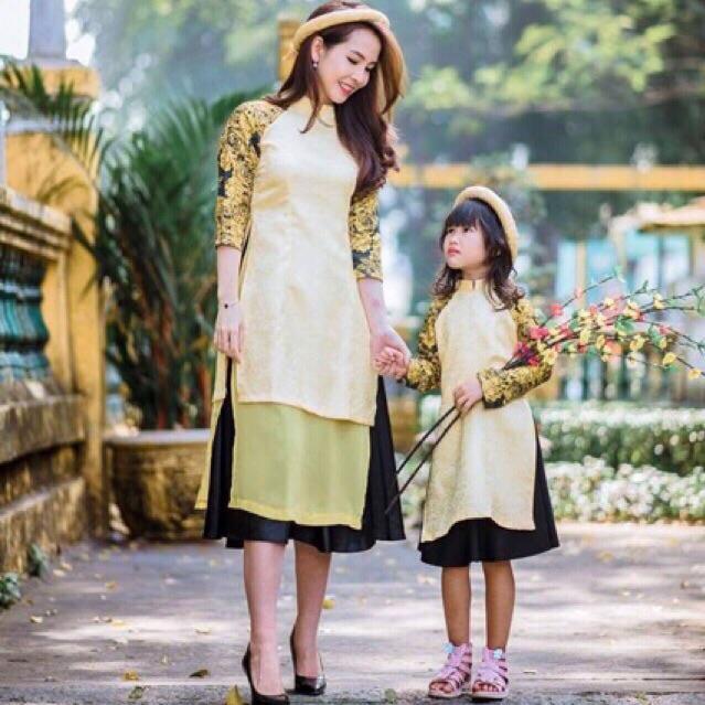 Combo áo dài cách tân mẹ bé