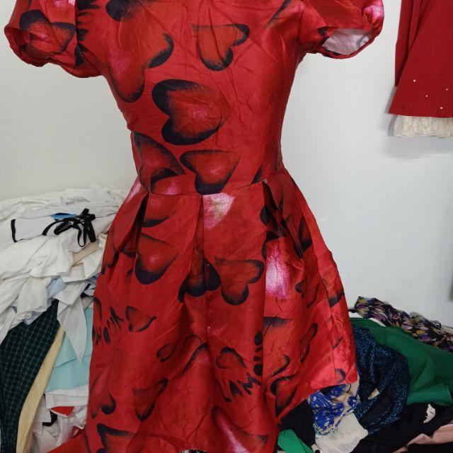 Áo đầm xòe đỏ