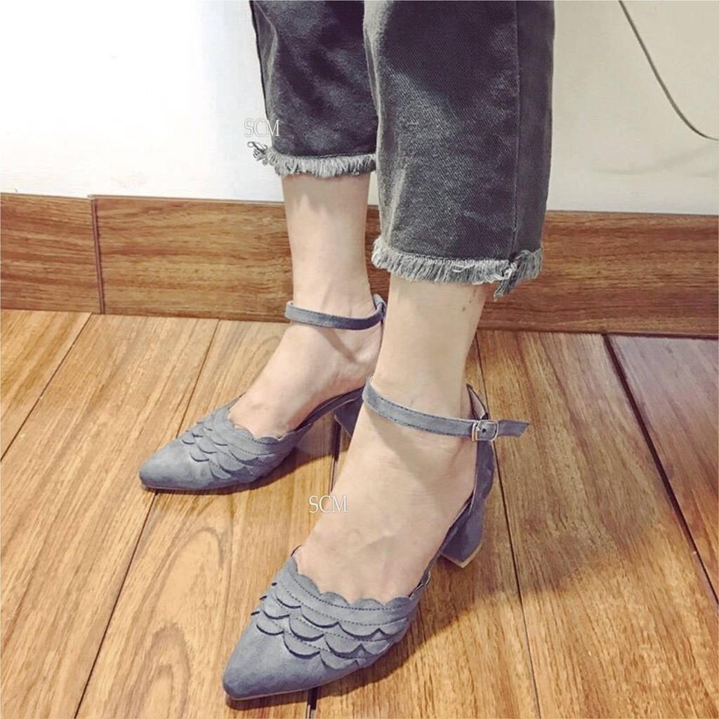 Giày gót vuông nữ bít mũi gợn sóng