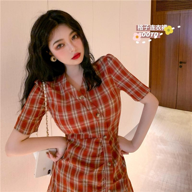 Chân Váy Mini Sọc Ca Rô Đỏ Phong Cách Retro Pháp