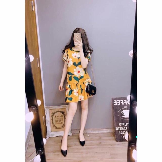 Váy suông hoa vàng