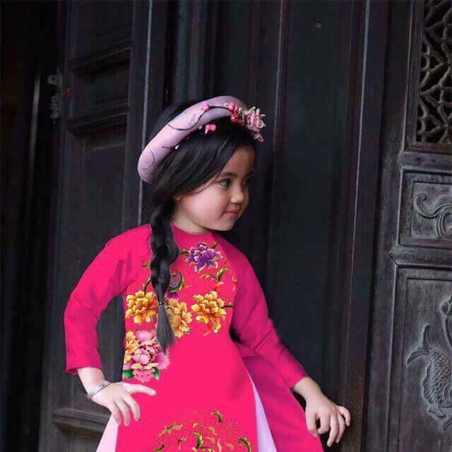 Áo dài cách tân sang chảnh cho bé gái