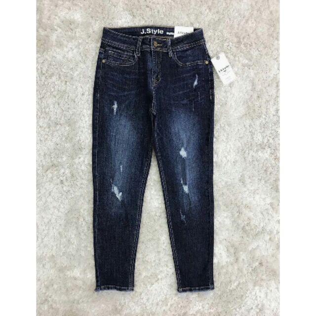 Quần jean boyfren với ba mầu đậm - trung- nhạt . Với chất liệu jean thun co giản dể mặc mang đến cảm giác thoải mái nhé.