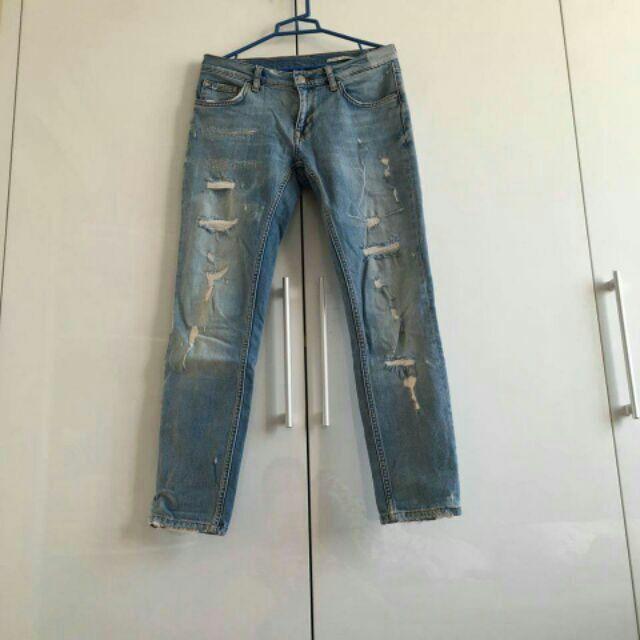 Quần jean rách Zara