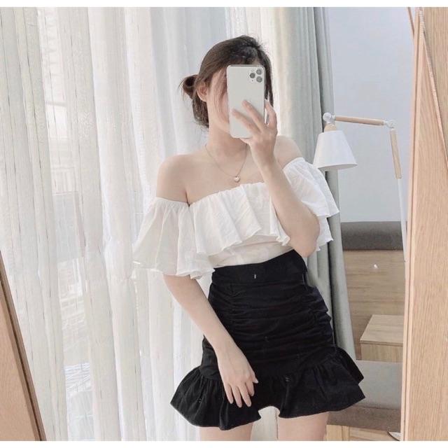 Set áo bẹt vai trắng chân váy đen nhún đuôi cá