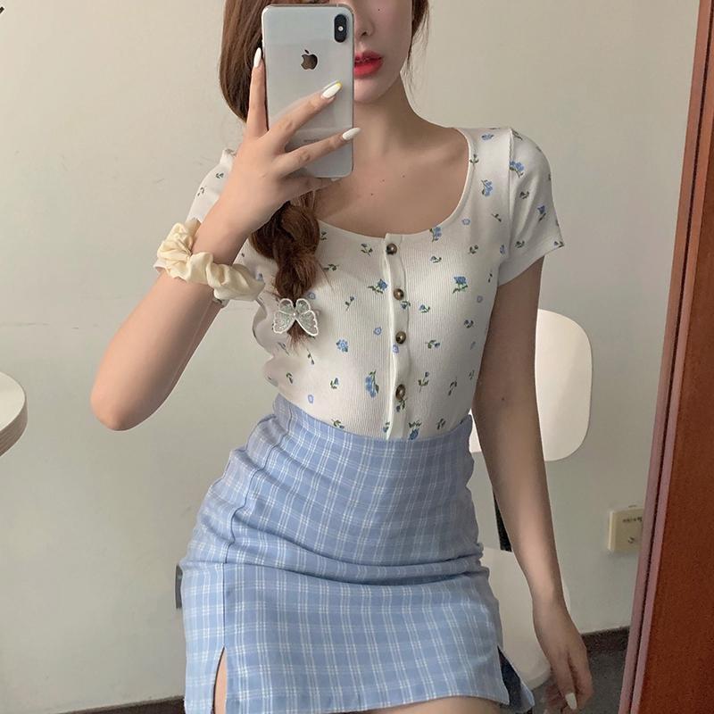 Set Áo Thun Ngắn Tay + Chân Váy Ca Rô Xẻ Tà Thời Trang Hàn Cho Nữ