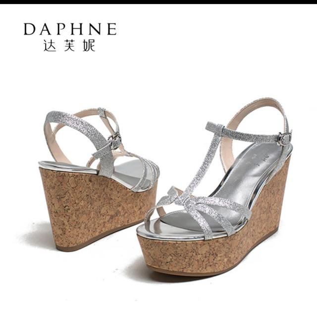 Sandal đế xuồng Daphne( sẵn size 36)