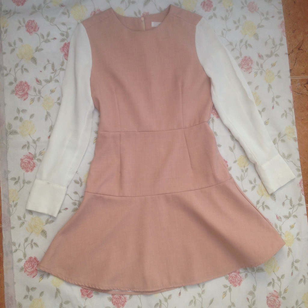 Áo đầm hồng tiểu thư