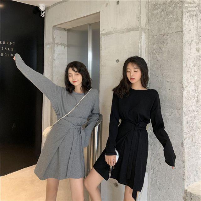 Set áo thun dài tay cổ tròn+chân váy lưng cao