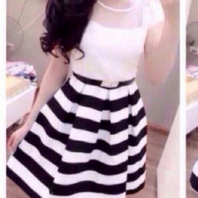 Đầm teen sọc