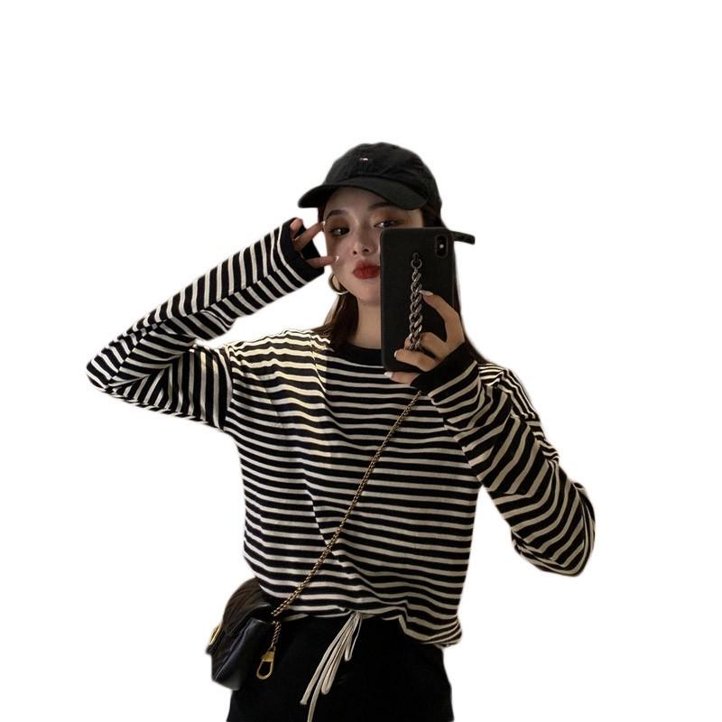Bộ Áo Sweater Dài Tay + Chân Váy Dệt Xinh Xắn Dành Cho Nữ