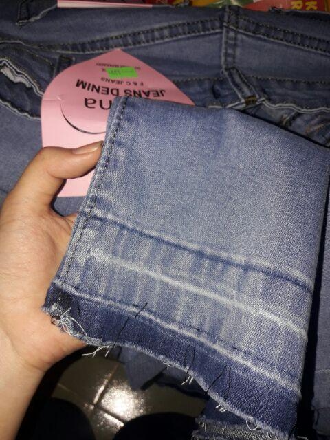 Quần jean ống rộng hot hit