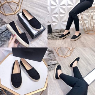 Giày slip on đế 2 cm chanel.