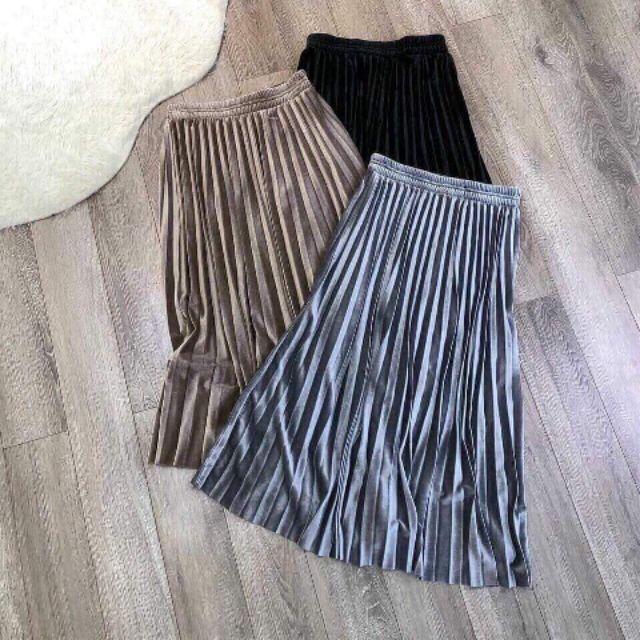 Chân váy nhung (Thuy Trang)