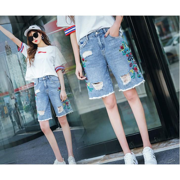 [Hàng Quảng Châu] Quần Jeans Lửng Thêu Hoa