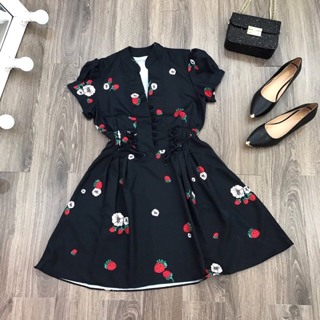 Đầm hoa thắt dây
