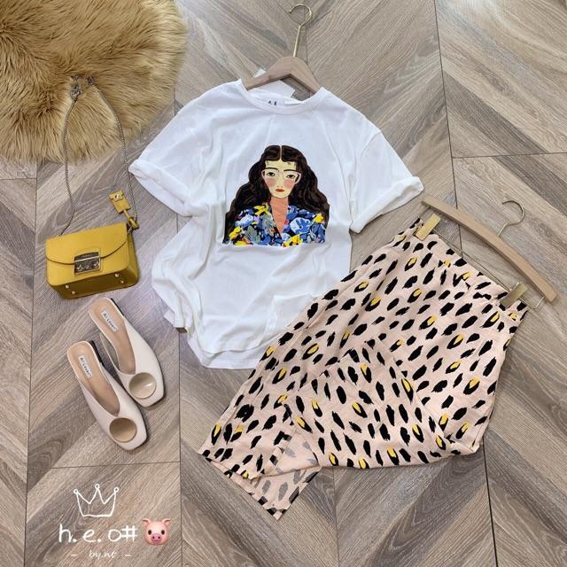 Set áo phông và chân váy hoạ tiết