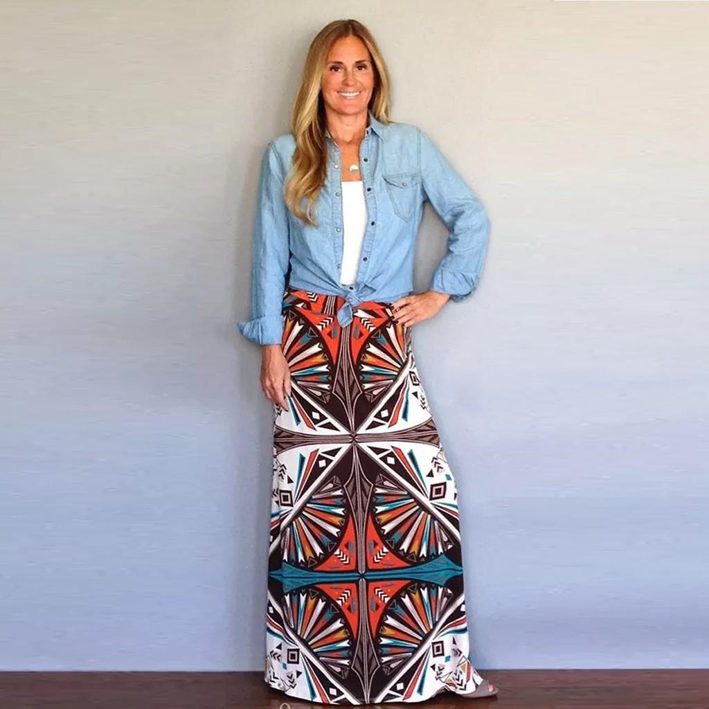 Chân váy dài kẻ sọc hoạ tiết hình học thiết kế dáng rộng thoải mái