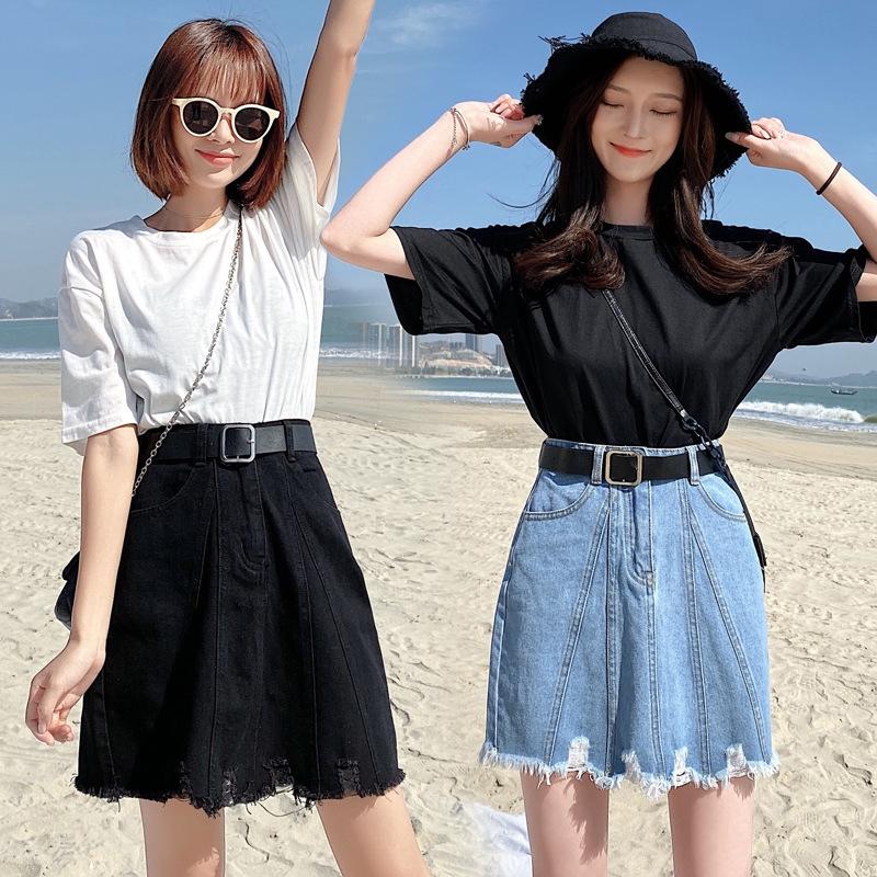 Chân váy denim trẻ trung hợp thời trang 2020 cho bạn gái