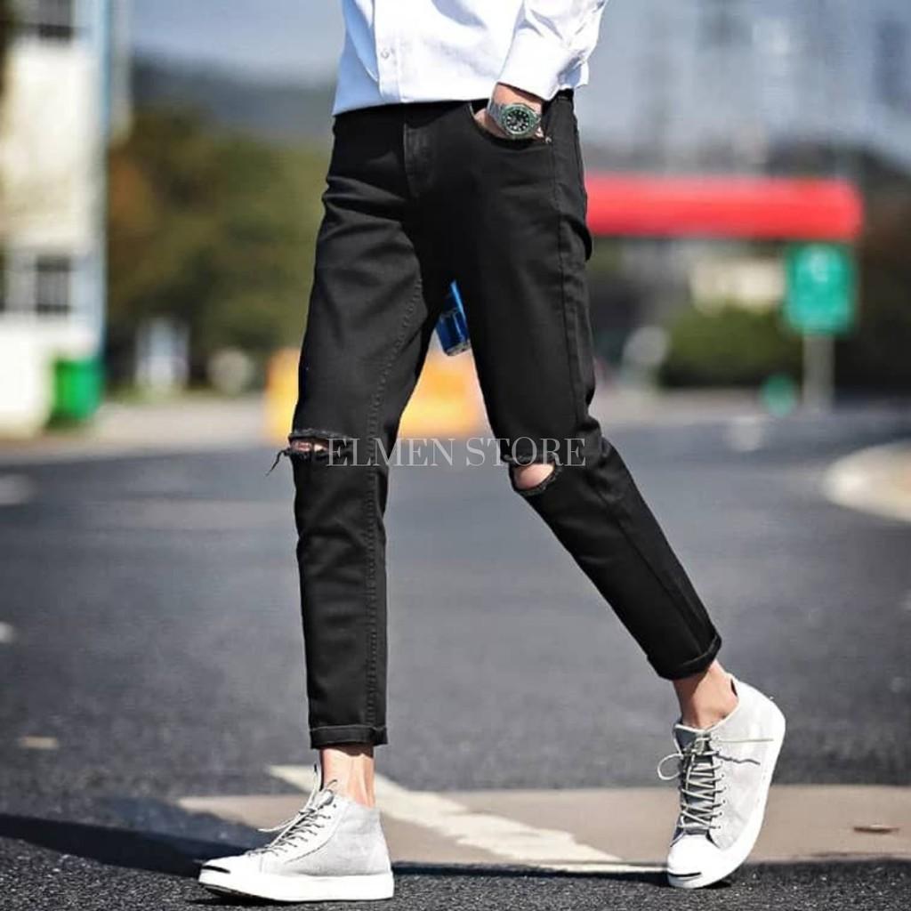 Quần jeans đen có rách gối và không rách gối