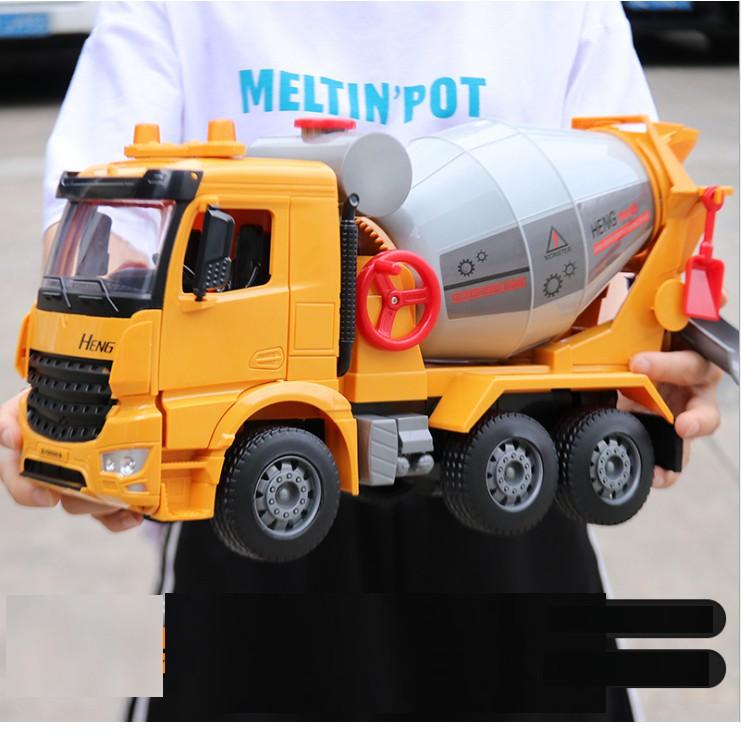 Mô hình xe trộn bê tông tỉ lệ 1:12 siêu to - Đồ chơi trẻ em chạy đẩy trớn bằng bánh đà có đèn và âm thanh