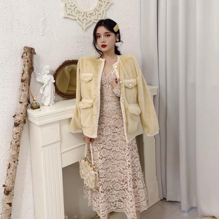 Đầm dài ren cổ chữ V + áo khoác dáng ngắn phủ lông thời trang nữ