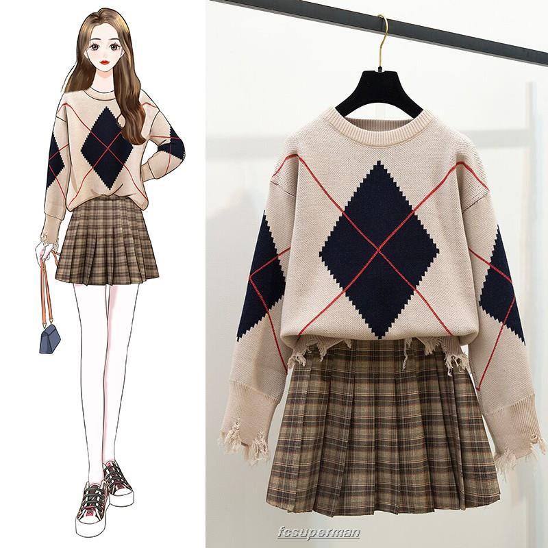 Bộ áo sweater dáng rộng phối chân váy kiểu dáng trẻ trung cho nữ