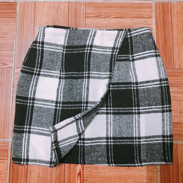 Chân váy dạ caro
