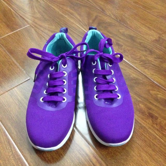 Giày đi bộ dành cho nữ