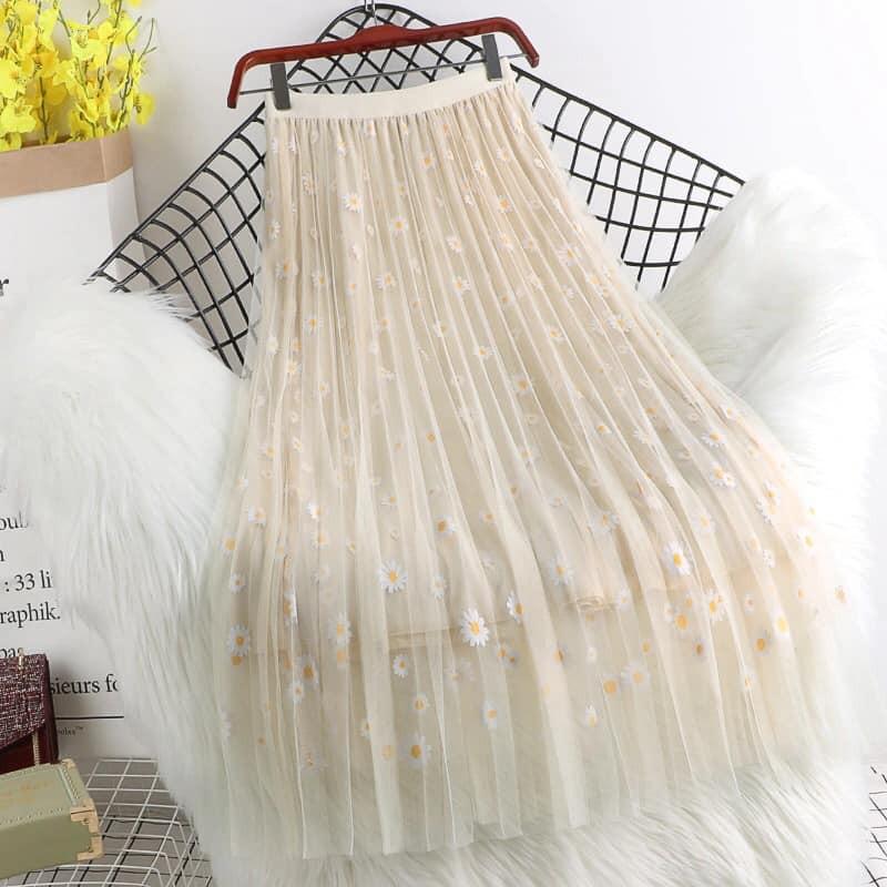 Chân váy 3 lớp nhé - lớp lót- lớp vải in hoa- lớp vải mỏng bên ngoài.