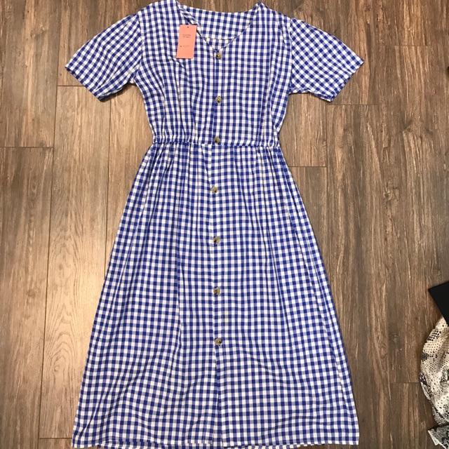 Váy kẻ xanh