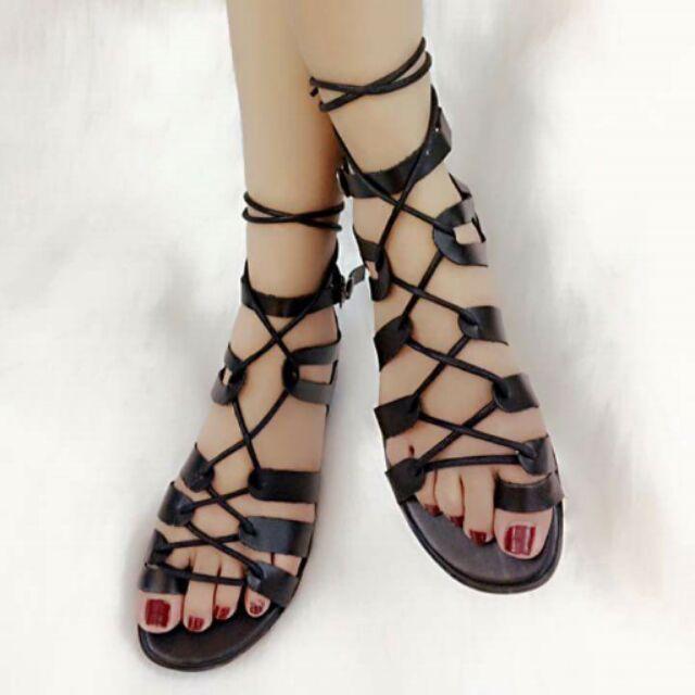 Sandal đan dây